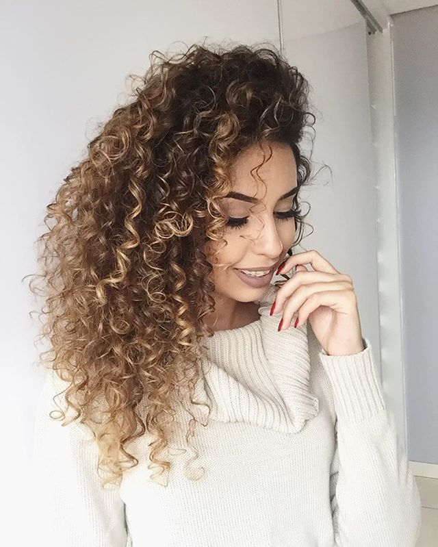 5 Fun Balayage Looks On Naturally Curly Hair Hair Braiding Styles